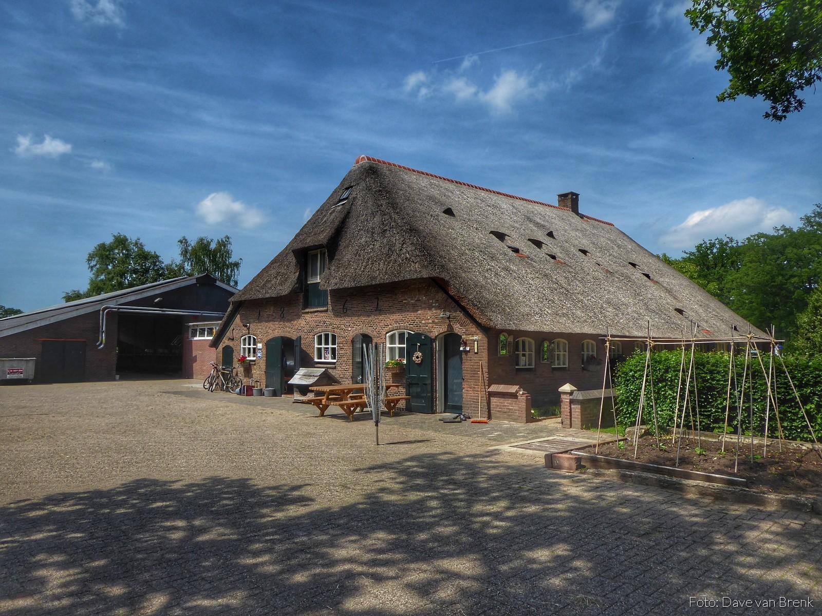 Landgoed Rechteren, Hessum en landgoed Den Berg